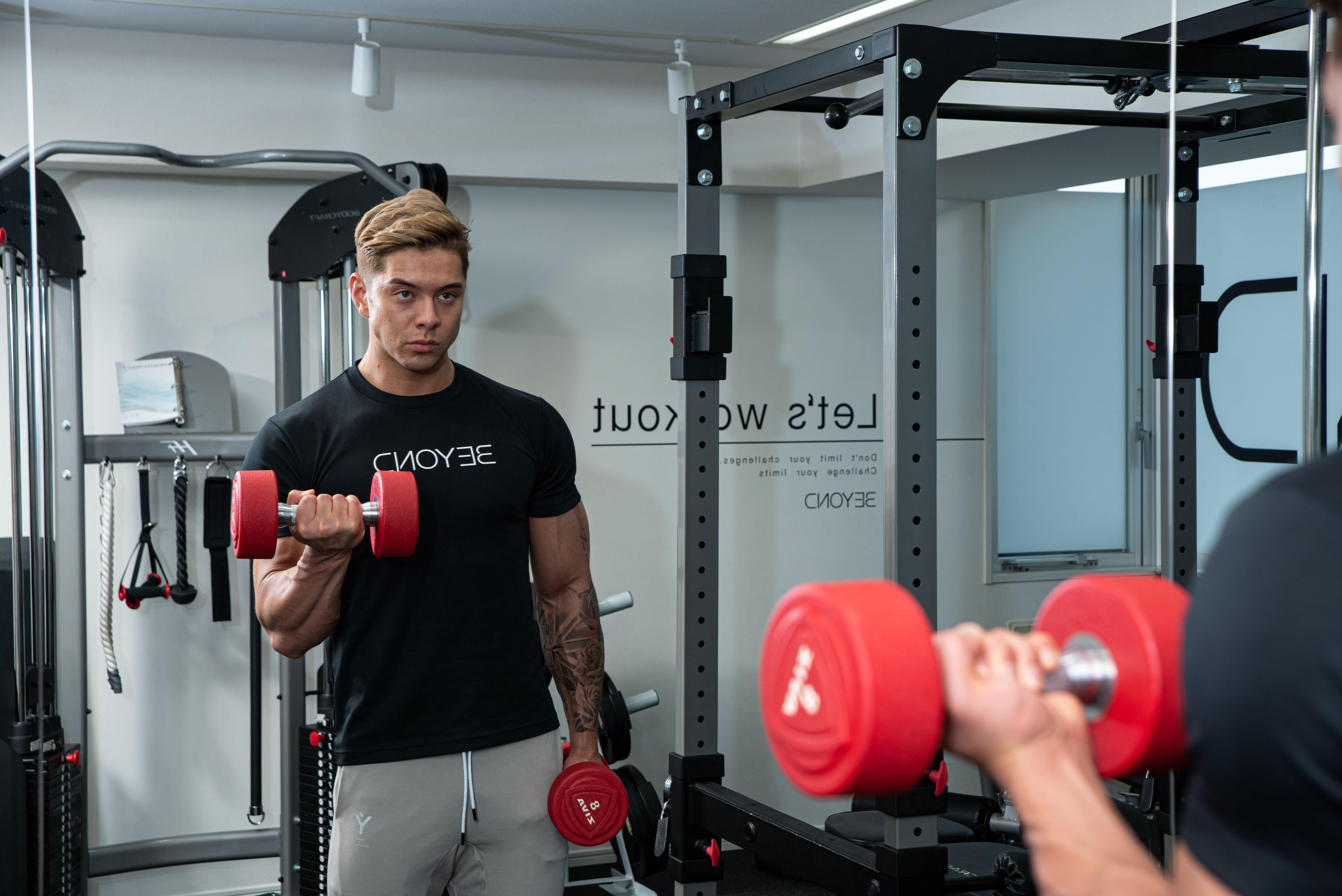 ビヨンドジムエドワード加藤のトレーニング写真